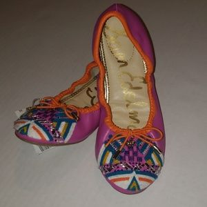 NWT Sam Edelman Flats Embroidered Size 4 5